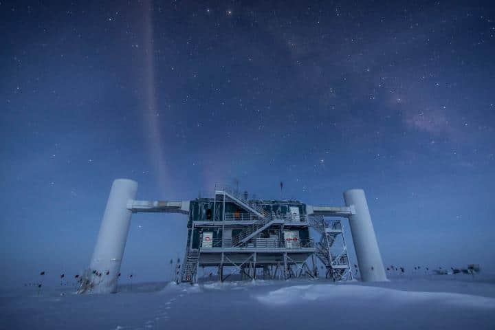 Scientists claim that all high-energy cosmic neutrinos are born by quasars